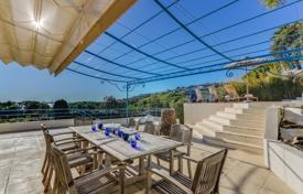 3 bedroom villas and houses to rent in Provence - Alpes - Cote d'Azur. Detached house – Provence - Alpes - Cote d'Azur, France