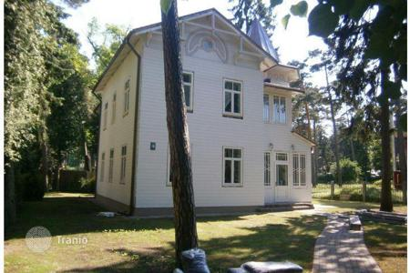 5 bedroom houses by the sea for sale in Europe. Two-storey house in Jurmala