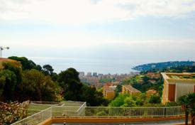 Residential for sale in Roquebrune — Cap Martin. Exceptional luxurious one bedroom apartment with 2 terraces, sea view and 2 parking spaces