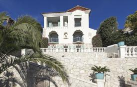 Luxury 4 bedroom houses for sale in Beaulieu-sur-Mer. Spacious villa with a pool, terraces and a garden, with panoramic sea views, Beaulieu-sur-Mer, France