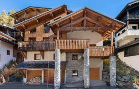 Luxury chalets for sale in Alps. Designer chalet with a terrace, a Jacuzzi and a garage, in the ski resort of Val d'Isère, Savoie, France