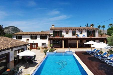 5 bedroom houses for sale in Majorca (Mallorca). Restored estate with a swimming pool, a jacuzzi and a garden, Pollensa, Spain. Excellent investment opportunities!