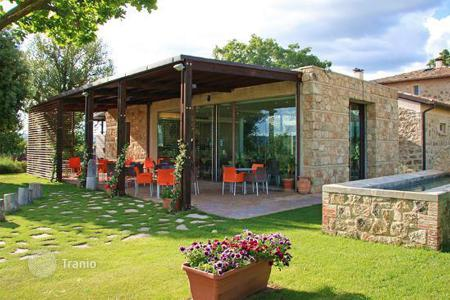 Hotels for sale in Umbria. Guesthouse and restaurant for sale in Montecchio, Umbria