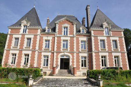 "Luxury residential for sale in Center. Castle ""Château des Fontaines"""