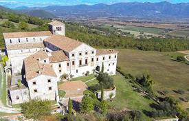 Property for sale in Lazio. Tourist complex in an ancient manor with garden and woods not far from Rieti, Lazio, Italy