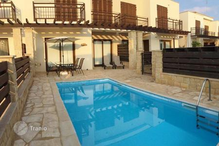Coastal townhouses for sale in Protaras. Lovely 2 Bedroom House with Pool in Cape Greco