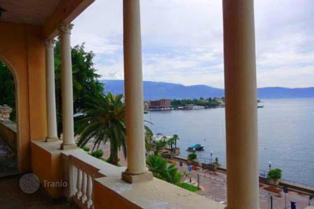 Property for sale in Garda. Villa – Garda, Veneto, Italy