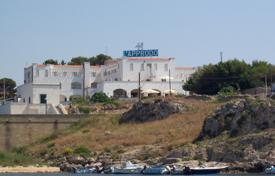 Property for sale in Apulia. HOTEL beachfront in Santa Maria di Leuca with 52 rooms