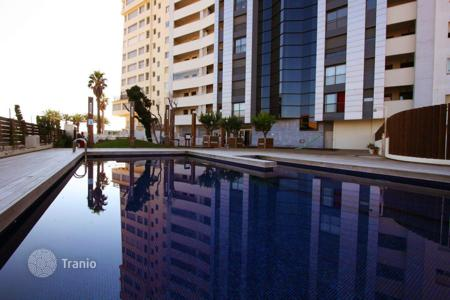 Apartments with pools for sale in Empuriabrava. Attractive apartment with loggia and shared swimming pool in Empuriabrava