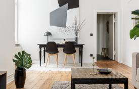 Residential for sale in Kreuzberg. Comfortable apartment in a renovated early 20th century building, in a popular district near Gorlitzer Park, Kreuzberg, Berlin