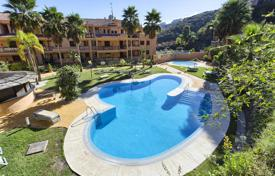 Two-level penthouse next to the golf course in Mijas Costa, Andalusia, Spain for 785,000 €