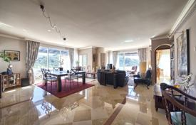 Apartments for sale in Costa del Sol. Fascinating Penthouse, Lomas de La Quinta, Benahavis