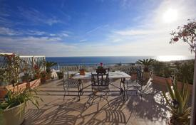 3 bedroom apartments by the sea for sale in Italy. Magnificent penthouse with a large terrace and panoramic views of the sea a few steps from the beach in San Remo