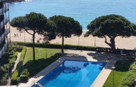 4 bedroom apartments by the sea for sale in Spain. Apartment – Lloret de Mar, Catalonia, Spain