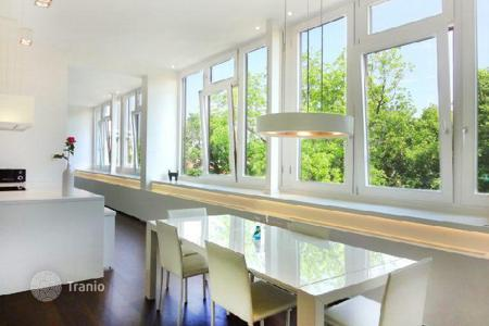 Luxury residential for sale in Austria. Modern penthouse with views of the park, in the 13th district of Vienna
