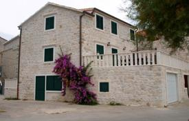 Houses for sale in Kastela. Villa – Kastela, Split-Dalmatia County, Croatia