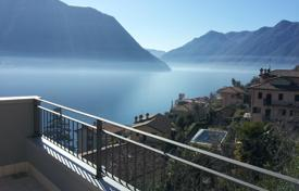 Coastal residential for sale in Sala Comacina. Lake Como, Sala Comacina, attic apartment N. 4 with pool