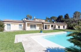 Luxury 6 bedroom houses for sale in Antibes. Detached house – Antibes, Côte d'Azur (French Riviera), France