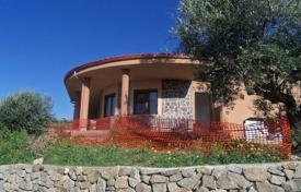 4 bedroom houses for sale in Italy. Villa with a pool, a garden and a parking, Zambrone, Calabria, Italy