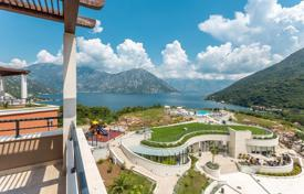 Apartments with pools for sale in Montenegro. Apartment – Morinj, Herceg-Novi, Montenegro