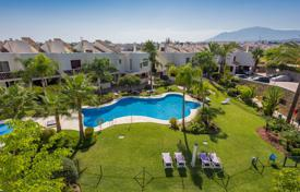 Townhouses for sale in Andalusia. Wonderful Town House in Riviera Beach, Estepona