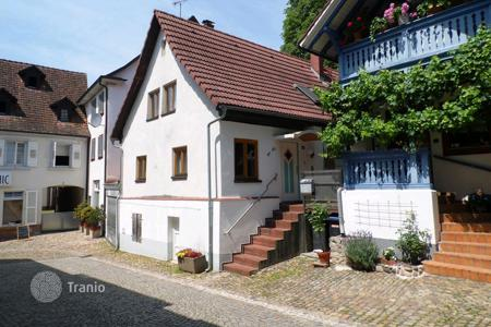 2 bedroom houses for sale in Baden-Wurttemberg. Charming house in the heart of Müllheim