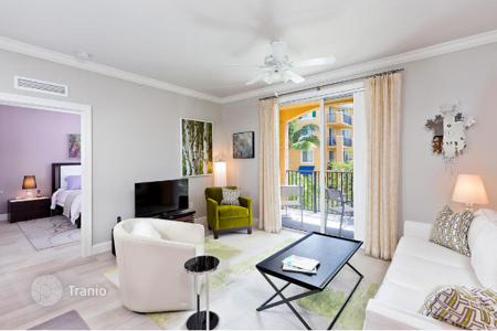1 bedroom apartments for sale in North America. Comfortable apartment with a balcony in a residential complex with swimming pool, gym and sauna, Delray Beach, Florida, USA