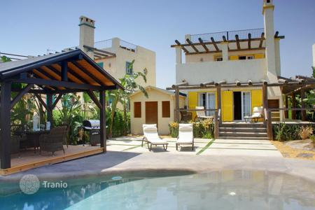 Houses with pools by the sea for sale in Andalusia. Villa - Andalusia, Spain