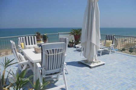 3 bedroom apartments by the sea for sale in Abruzzo. Luxury penthouse with sea views in Silvi, Italy