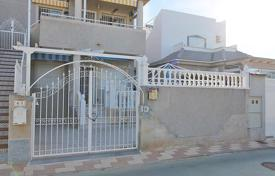 Cheap 2 bedroom houses for sale in Valencia. Torrevieja, San Luis. Low bungalow of 60 m² built with plot of 40 m²