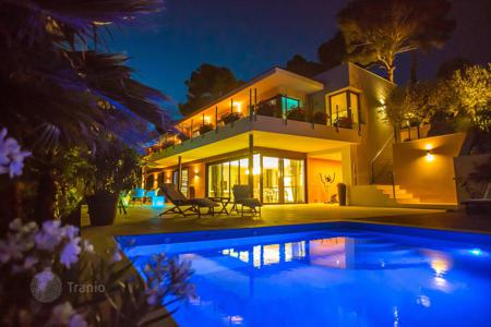 Villas and houses by the sea for rent with swimming pools in Costa Brava. Villa – Tossa de Mar, Catalonia, Spain
