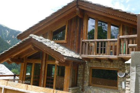 Luxury property for sale in Courmayeur. Chalet – Courmayeur, Aosta Valley, Italy