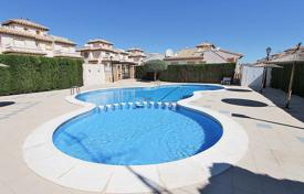 Cheap houses for sale in Europe. Orihuela Costa, Lomas de Cabo Roig. Townhouse of 75 m² built with plot of 80 m². Consist of 2 bedrooms, 1 bathroom