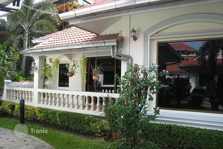 2 bedroom villas and houses to rent in Pattaya. Townhome – Pattaya, Chonburi, Thailand