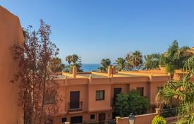 6 bedroom apartments for sale in Andalusia. Superb Beachfront Duplex, Riviera Andaluza, Estepona
