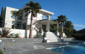 Luxury houses for sale in Cannes. Contemporary property — Super Cannes