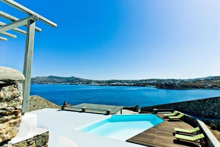 Coastal houses for sale in Mikonos. Villa – Mikonos, Aegean, Greece
