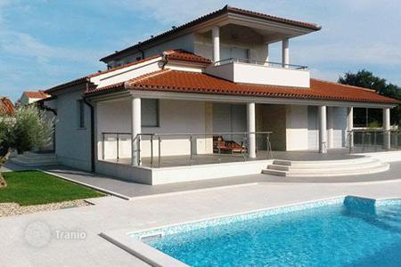 Houses with pools by the sea for sale in Istria County. Villa – Pula, Istria County, Croatia