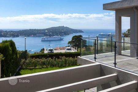 Luxury 5 bedroom houses for sale in France. Villa in Villefranche (French riviera), France