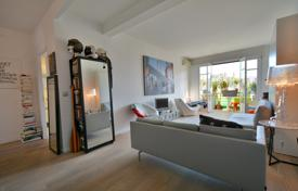 1 bedroom apartments for sale in France. Close to the beach, large 2 room apartment on an elevated floor with terrace