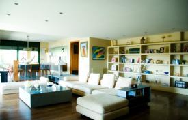 Luxury 4 bedroom houses for sale in Catalonia. House Costa Barcelona