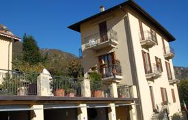 Cheap 2 bedroom apartments for sale in Italy. Apartment – Lake Como, Lombardy, Italy