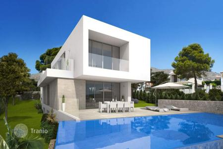 Houses for sale in Finestrat. 3 bedroom luxury modern-style villas with private pool and garden in Finestrat