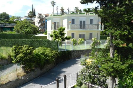 3 bedroom houses by the sea for sale in Italy. Villa – Sanremo, Liguria, Italy