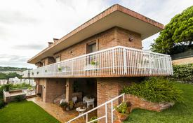 3 bedroom houses for sale in Caldes d'Estrac. Villa – Caldes d'Estrac, Catalonia, Spain