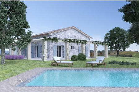 Off-plan houses for sale in Italy. Country house in Arcevia
