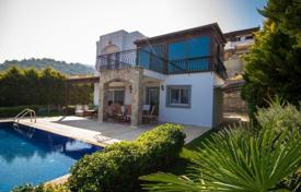 Houses With Pools For In Sinop