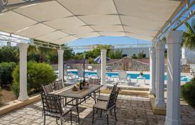 Residential for sale in Apulia. Masseria SAN DANA, renovated, in the historical center, with swimming pool, a few steps from the sea