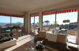 3 bedroom apartments for sale in Nice. Last floor, panoramic sea view, large terrace and 2 garages