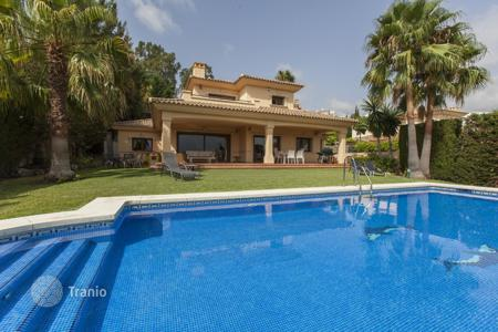 4 bedroom villas and houses to rent in Malaga. Chalet – Malaga, Andalusia, Spain